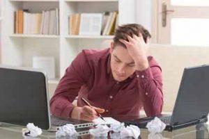 Das Burnout Syndrom äußert sich durch geistige und körperliche Erschöpfung.