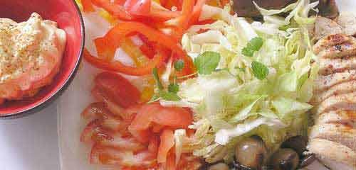 Kohlehydratarme Ernährung wie bei der Atkins-Diät kann eine Ketose auslösen.