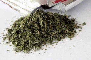 Die Droge Spice / K2 enthält synthetische Cannabinoide.