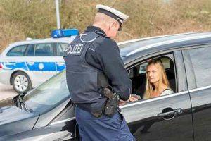 Die Haaranalyse kann der Polizei zum Nachweis von Drogenkonsum dienen.