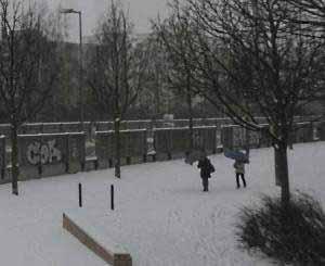 Einer Winterdepression durch Lichtmangel entgeht, wer sich regelmäßig im Freien aufhält.