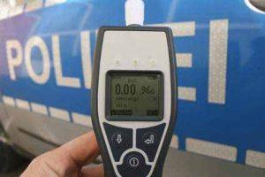 Ein Alkoholtest gibt Sicherheit, dass der Führerschein nicht gefährdet ist.