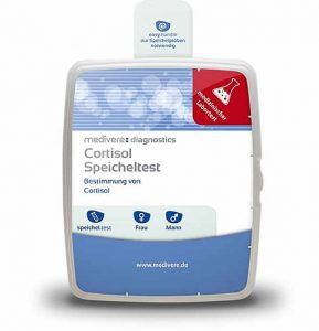 Ein Cortisol Test weist die Cortisolkonzentration mittels einer Speichelprobe nach.