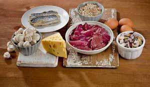 Weil Vitamin B12 (Cobalamin) nur in tierischen Lebensmitteln enthalten ist, haben Veganer ein hohes Risiko für Vitamin B12 Mangel.