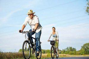 Gesunde Ernährung und regelmäßige Bewegung können das biologische Alter positiv beeinflussen.